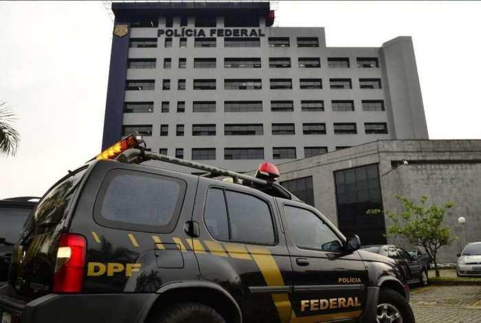 Polícia Federal realiza operação para desarticular facção no Amapá