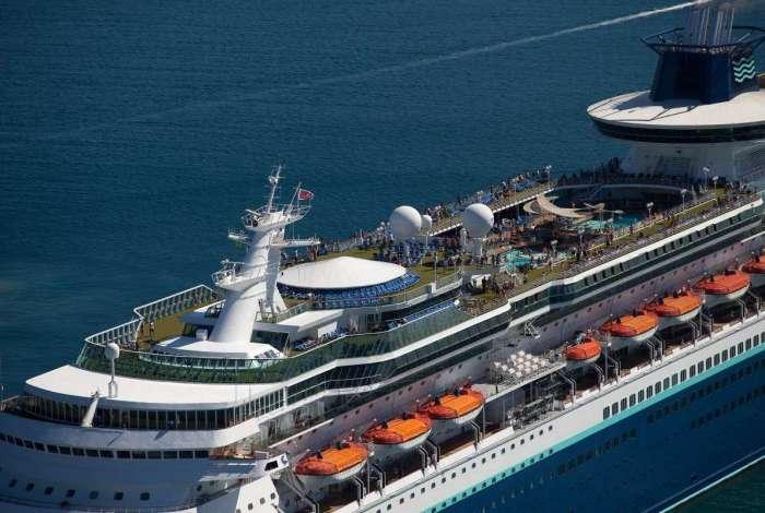 Tripulantes de navio cruzeiro são investigados por suspeita de rubéola