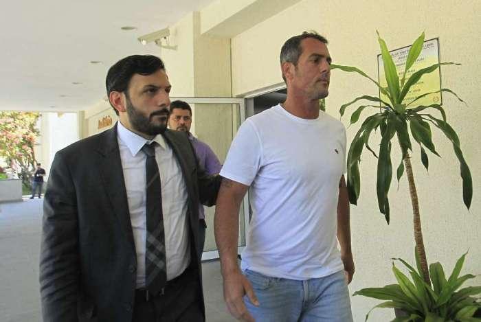Vereador Marcello Siciliano chega à Cidade da Polícia, no Jacaré, Zona Norte do Rio para depor