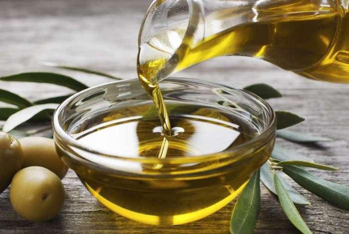 O Ministério alerta para que o consumidor desconfie de azeites mais baratos, pois podem ser fruto de fraudes