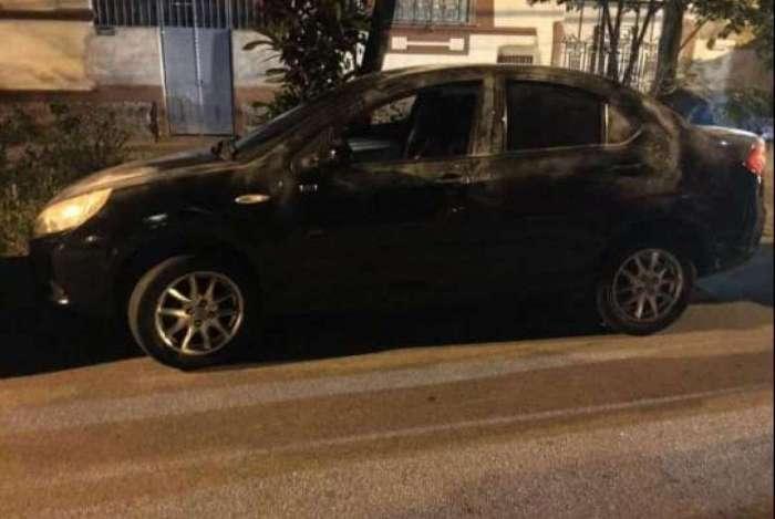 O carro da vítima no Lins foi recuperado  próximo ao local do crime