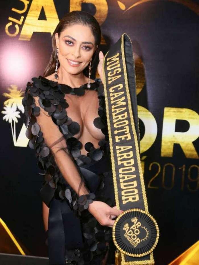 Juliana Paes receve título de musa do Camarote Club Arpoador em festa no hotel Copacabana Palace, na noite desta quinta-feira