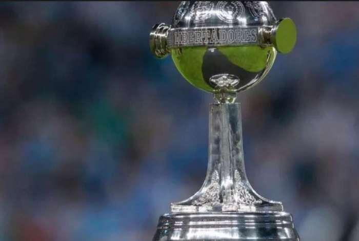 Taça da Libertadores é cobiçada por todos