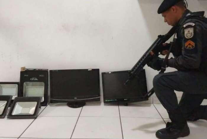 Aparelhos são recuperados de loja assaltada na Tijuca