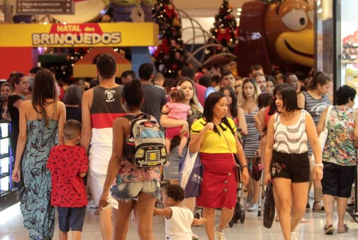 Segmento mais procurado nas compras de Natal foi de moda feminina