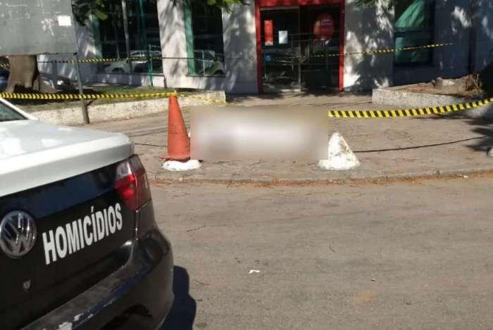 Pm é morto em 'saidinha de banco' na Penha