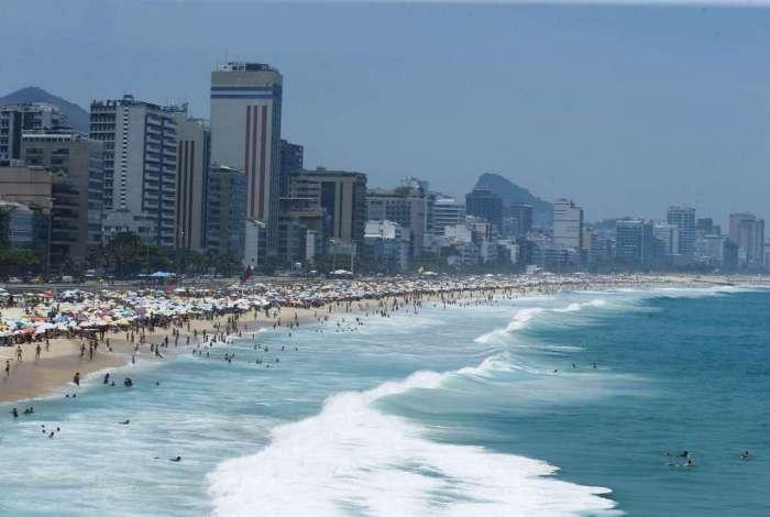Feriadão de Ano Novo tem 16 praias recomendadas para o banho nas Zonas Oeste e Sul