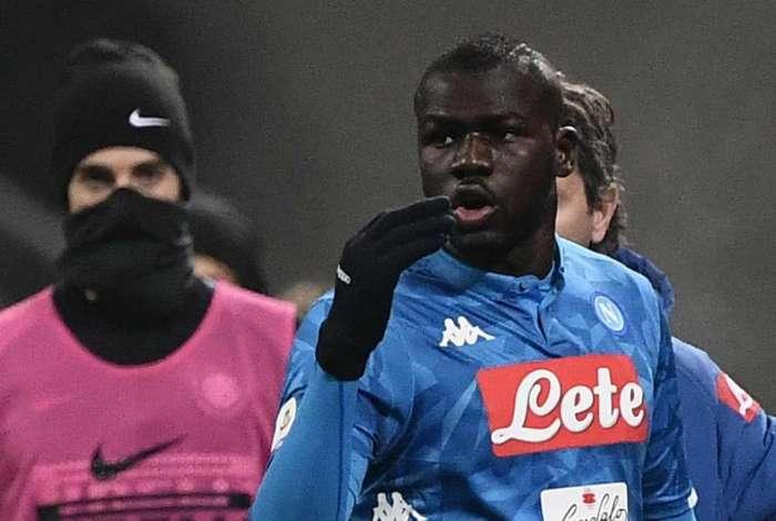 Koulibaly foi alvo de gritos racistas por parte da torcida da Inter de Milão