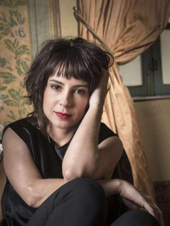 Andréia Horta no papel de Elis Regina em filme que virou série da Globo