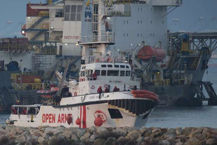 Migrantes serão recebidos pela Cruz Vermelha