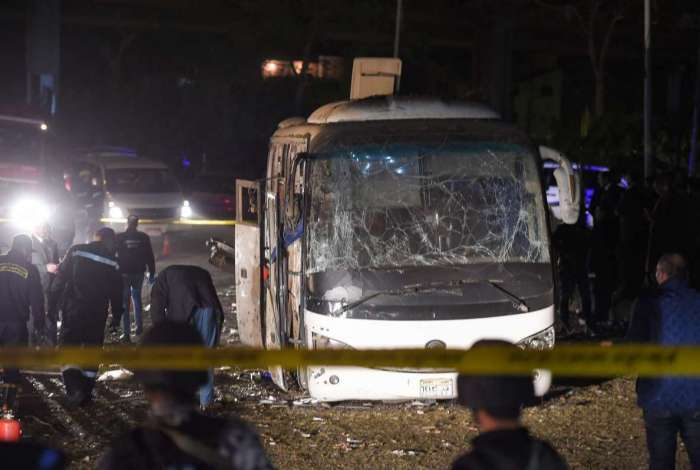 Ataque a ônibus turístico no Egito.
