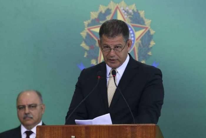 Ministro da Secretaria-Geral da Presidência da República, Gustavo Bebianno foi chamado de mentiroso por Carlos Bolsonaro no Twitter