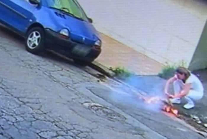 Câmeras de segurança registram vítima tentando pegar celular para pedir socorro