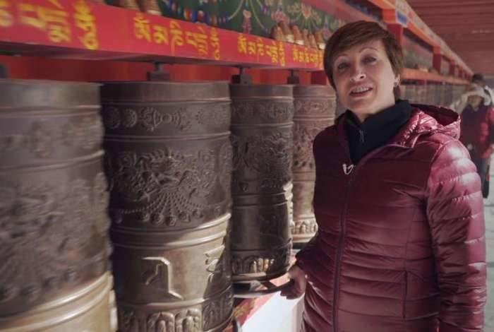 Sonia Bridi na China gravando Fantástico