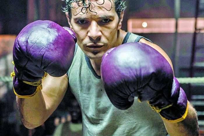 Eder Jofre (Daniel de Oliveira) em '10 Segundos Para Vencer'
