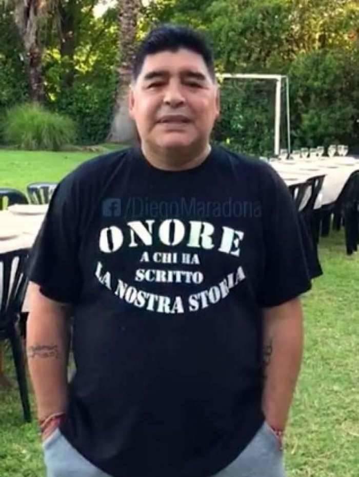 Maradona em uma transmissão em seu Facebook nesta semana