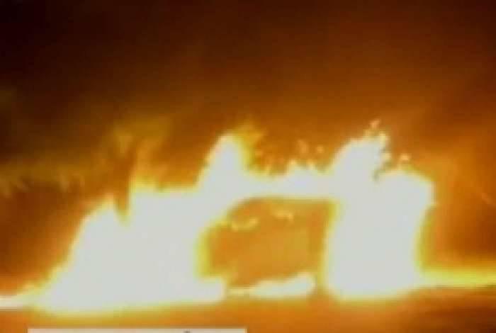 Ônibus, agências bancárias, delegacias, equipamentos públicos, veículos particulares, postos de combustíveis e supermercados foram atingidos no Estado do Ceará