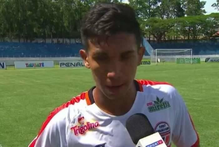 Juninho, do Carajás, precisou da ajuda do Vasco para jogar