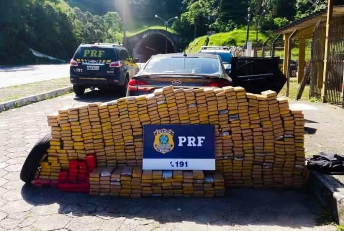Mais de 600 quilos de maconha são apreendidos em Petrópolis