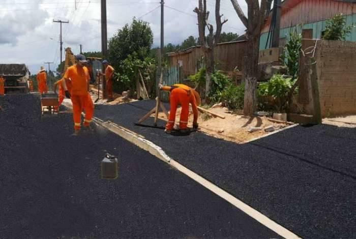 Prefeitura de município do Paraná vira meme após fazer montagem com novo asfalto