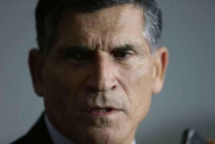 Ministro da Secretaria de Governo, General Carlos Alberto dos Santos Cruz não quer que militares sejam incluídos na Reforma da Previdência.