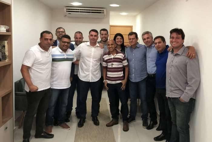 Bancada do PSL na Alerj com o senador Flávio Bolsonaro