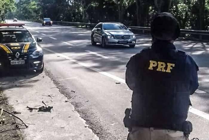 PRF flagra mais de 200 motoristas em excesso de velocidade na BR-040