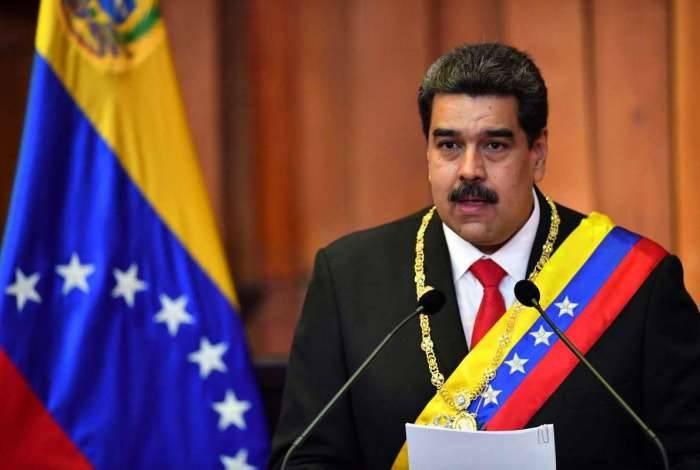 Vice-presidente ressaltou que o incêndio começou na quinta-feira, 'no momento em que o presidente Nicolás Maduro era empossado'