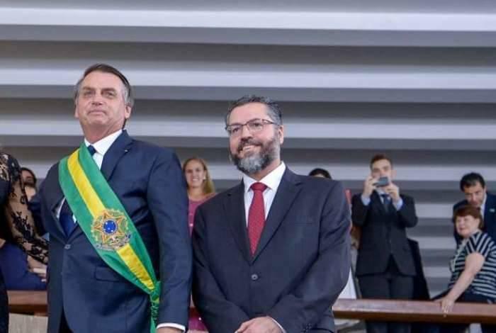 Bolsonaro e o ministro das Relações Exteriores, Ernesto Araújo, na posse do novo presidente: soberania