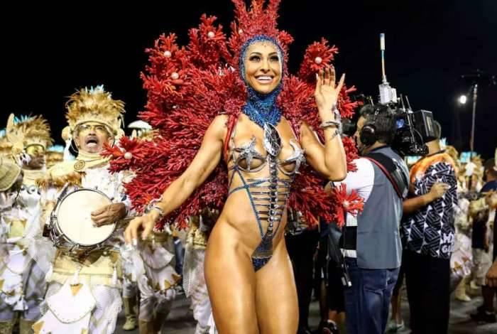 Sabrina Sato como rainha de bateria da Gaviões da Fiel, em São Paulo, durante o carnaval 2018