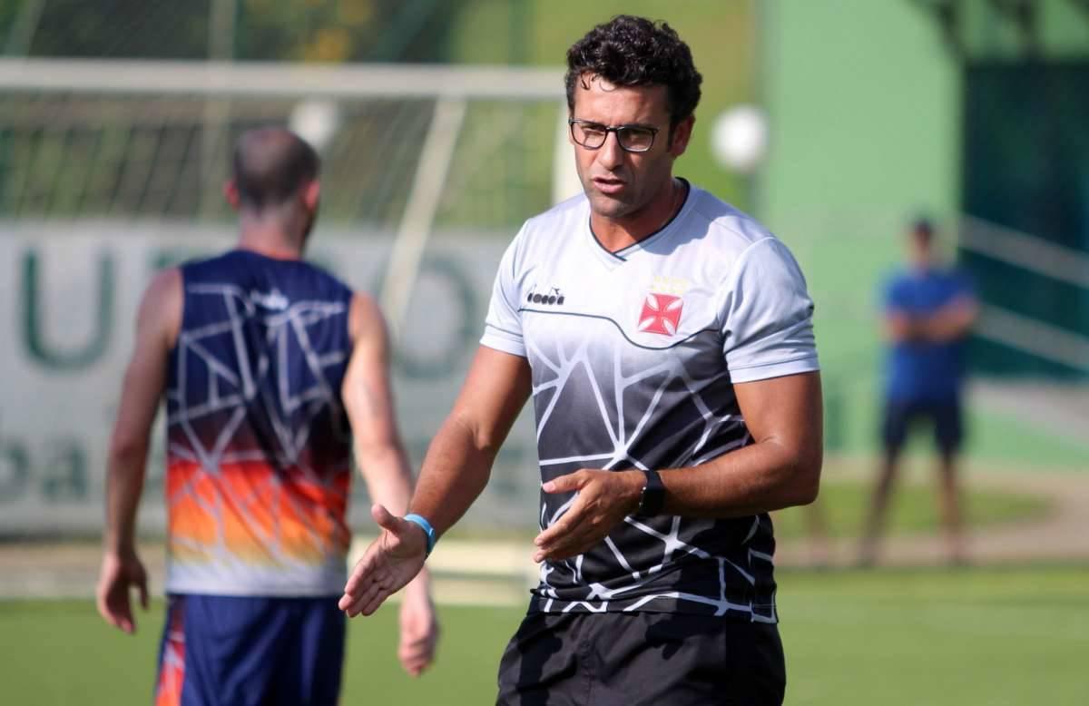 Vasco encaminha acerto, e jogador chega ao Rio nos próximos dias para assinar contrato
