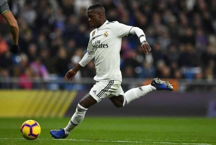 Vinicius Junior tem o talento elogiado por Solari, que tenta protegê-lo no Real Madrid