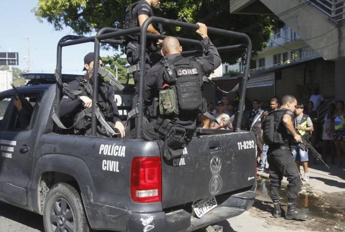 Na Mangueira houve confronto com criminosos e um suspeito morreu