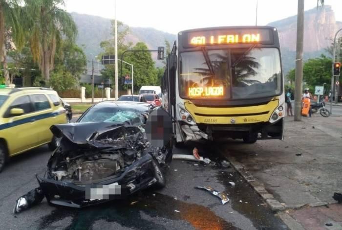 Grave acidente na Avenida Borges de Medeiros, na Lagoa, deixou feridos