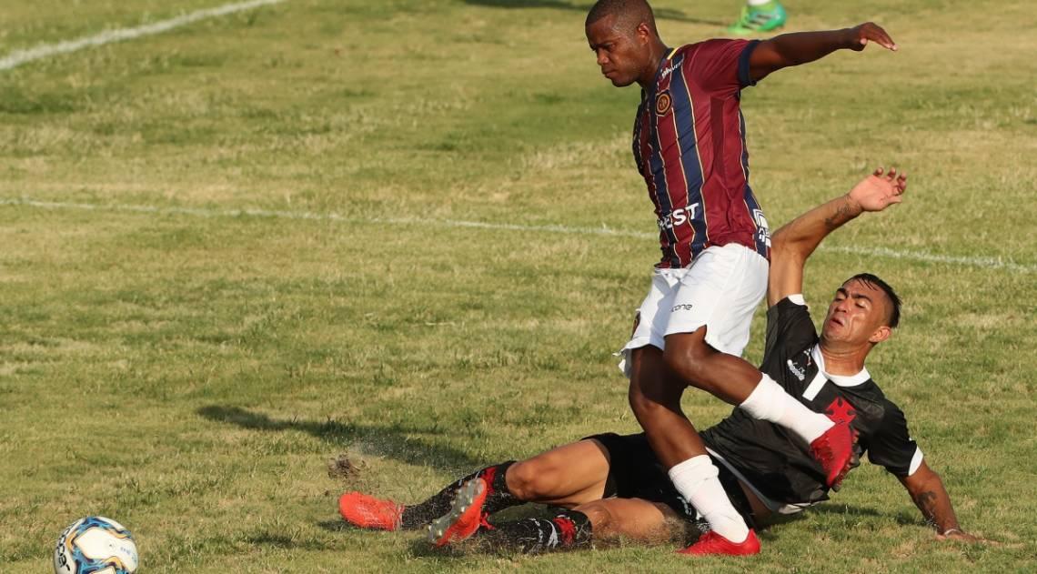 Vasco bateu o Madureira por 1 a 0