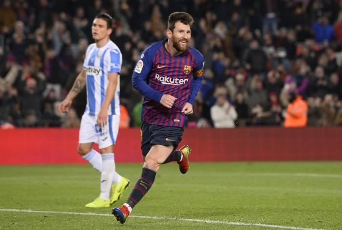 Messi, que entrou no segundo tempo, fez o terceiro gol do Barça