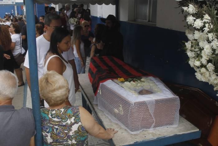Enterro do MarceloYuka no Cemit?ro de Campo Grande  Severino  Silva/ Agencia O Dia