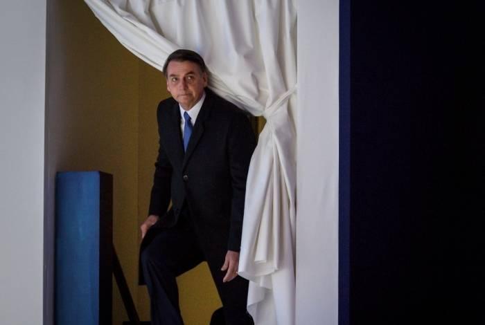 Presidente brasileiro, Jair Bolsonaro, se encaminha para discurso durante a reunião anual do Fórum Econômico Mundial em Davos, na Suíça