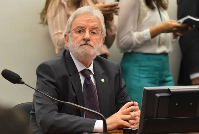 Segundo o deputado federal Ivan Valente,  proposta garante reajuste com o PIB dos últimos quatro anos (o que for mais alto) mais a correção pelo INPC ou IPC, a que for maior.