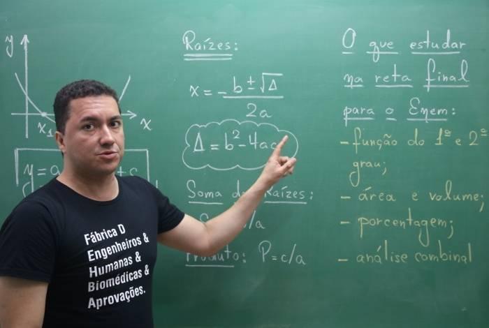 Professor de matemática criou plataforma de ensino que prepara para o Enem e vestibulares concorridos