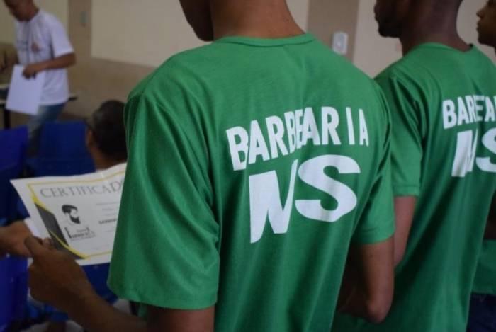 Internos de unidade prisional de Bangu se formam em cursos profissionalizantes