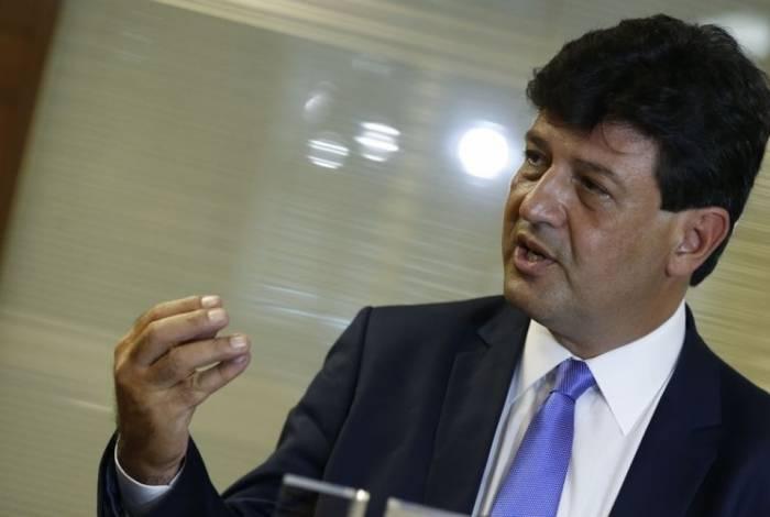 O ministro da saúde, Luiz Henrique Mandetta, disse que monitoramento será feito de forma constante: 'Não sabemos se por um ano, ou mais. Tudo vai depender da dispersão', explicou