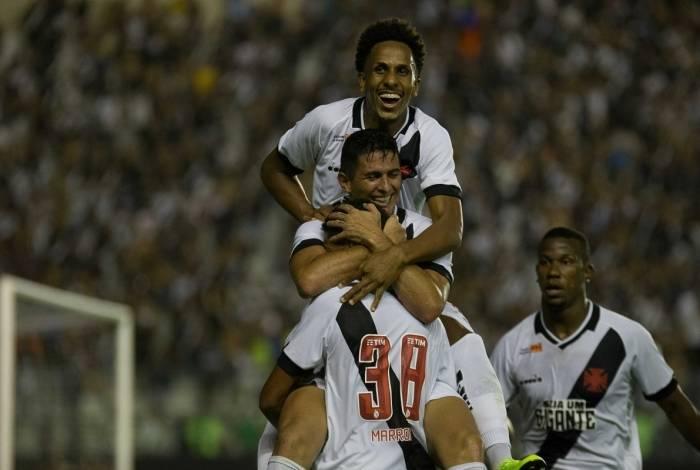 Marrony comemora gol pelo Vasco