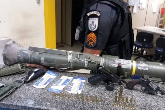 O míssil AT4 de calibre 38 estava dentro da casa do oficial