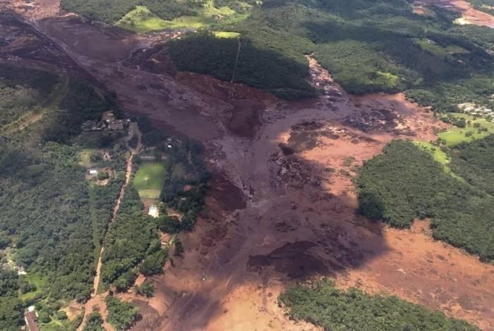 Rompimento de barragem em Brumadinho deixa nove mortos e centenas de desaparecidos