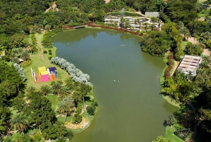 Parque de Inhotim parque conta com um dos mais importantes acervos de arte contemporânea do país