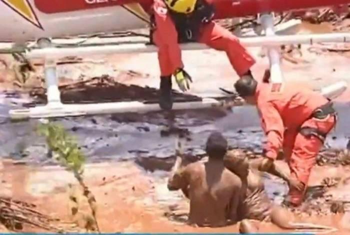 Área administrativa da Vale, onde estavam funcionários, foi atingida, assim como a comunidade da Vila Ferteco. A lama agora começa a chegar ao centro do município
