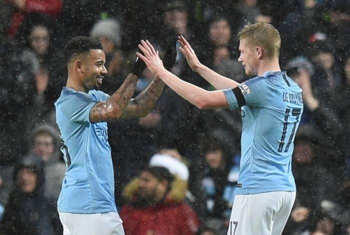 City assume a ponta provisória do Campeonato inglês