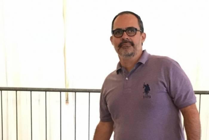Presidente tricolor Pedro Abad participou da votação  na Assembleia, nas Laranjeiras