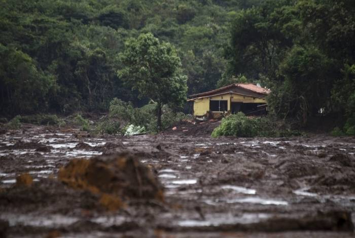 Uma casa danificada pela lama após o rompimento da barragem em Brumadinho